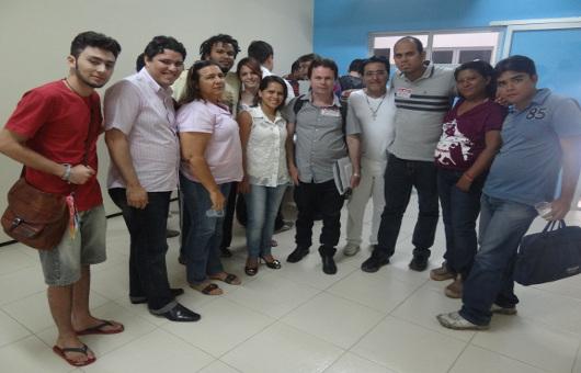 Professores, sindicalistas e diretores da Fetamce na sede do Sindicato de Juazeiro do Norte