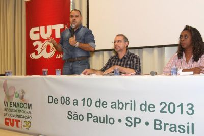 Presidente da CUT, Vagner Freitas, ao lado de Azenha e Rosana de Deus, da Executiva da Central