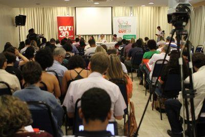 Cerca de 100 pessoas acompanharam os debates neste primeiro dia de Enacom